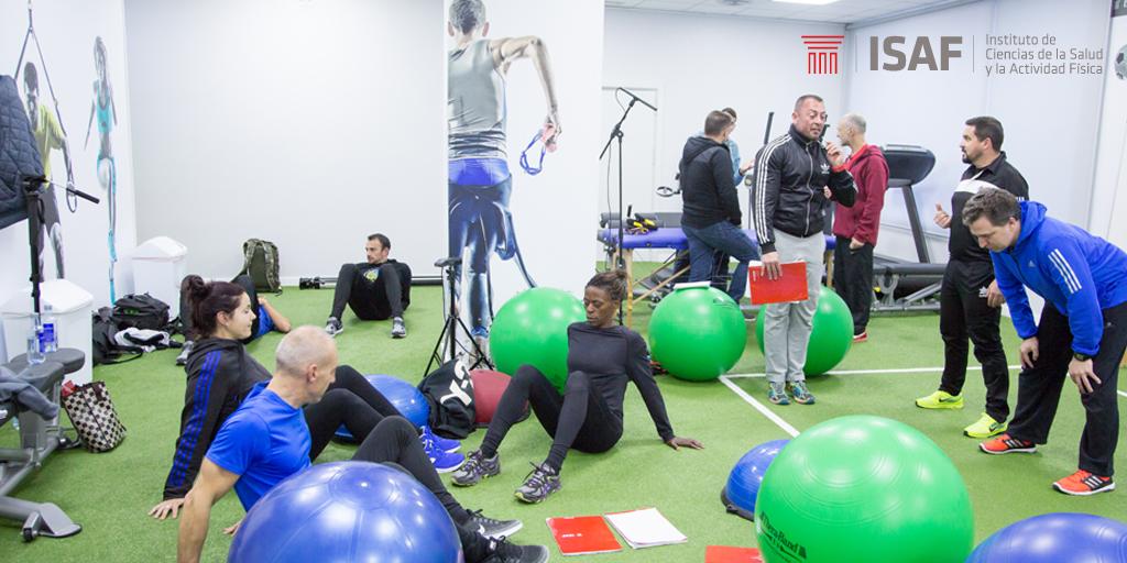 ¿Estudios presenciales u online? Diferencias en el estudio de los cursos de entrenamiento deportivo